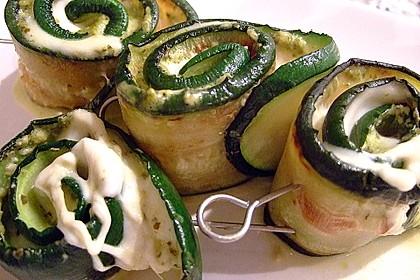 Zucchiniröllchen mit Schafskäse oder Mozzarella