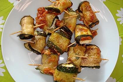 Zucchiniröllchen mit Schafskäse oder Mozzarella 2