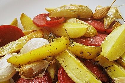 Backofenkartoffeln mit türkischer Knoblauchwurst