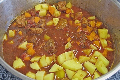 Bunter Fleisch-Kartoffel Topf - Bauerneintopf 17