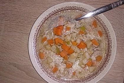Omas Hühnersuppe mit Reis