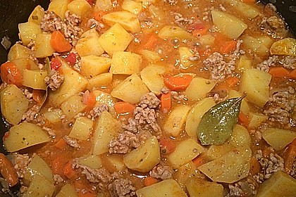 Hackfleisch - Kartoffel - Möhren - Eintopf 13