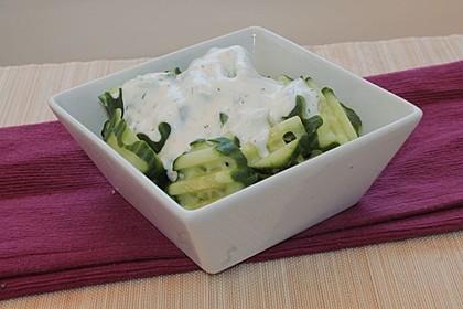 Quark - Gurken - Knoblauch - Salat