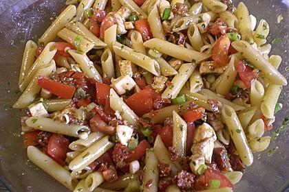 Schneller Party - Nudelsalat mit Tomate und Mozzarella 4