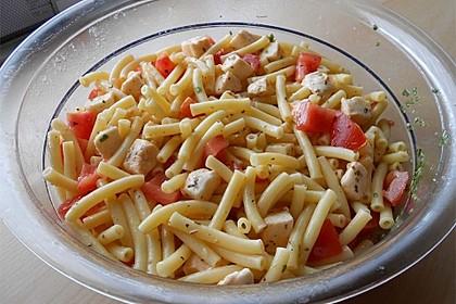 Schneller Party - Nudelsalat mit Tomate und Mozzarella 8