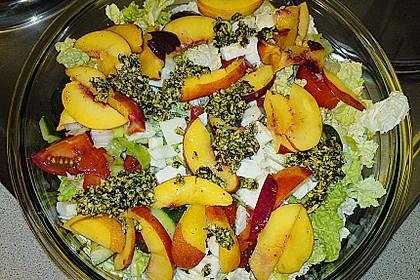 Nektarinen - Tomaten - Salat mit Kürbiskernpesto 4