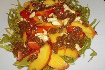 Nektarinen - Tomaten - Salat mit Kürbiskernpesto 5