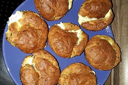 Herzhafte Muffins mit Schafskäse 8