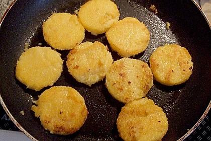 Polentataler mit Parmesan und Oliven 2