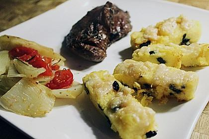 Polentataler mit Parmesan und Oliven 5