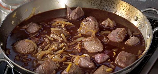 Gulasch Fleisch Anbraten Und Schmoren Chefkochde Video