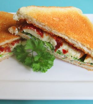 Hot-Bacon-Camembert-Sandwich