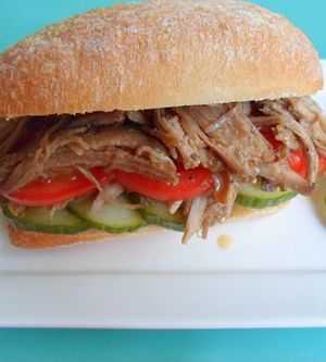 """Rotes """"Pulled Pork"""""""
