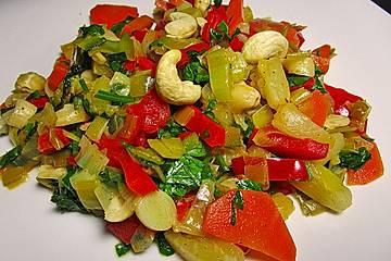 Chrissis fruchtig - nussige Gemüsepfanne