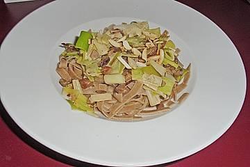 Breite Bandnudeln mit Lauch - Maronen - Rahm und altem Parmesan