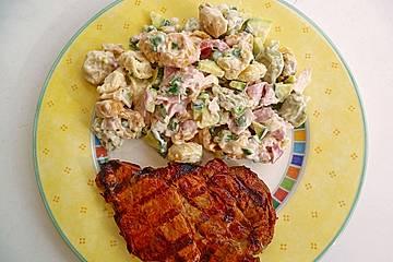 Tortellinisalat mit Zucchini und Schinken
