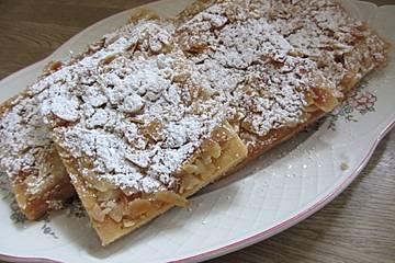 Buttermilch - Zucker - Mandel - Butterkuchen