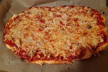 Pizza Pollo mit Blattspinat
