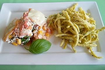 Bunte überbackene Pesto - Hähnchenbrust mit Pasta