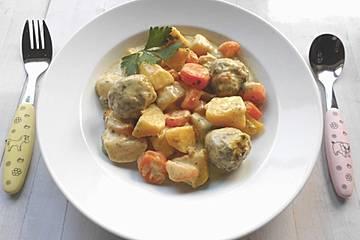 Kartoffel - Möhren - Eintopf mit Hackfleischklößchen