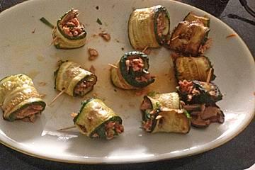 Gefüllte Zucchini - Röllchen mit Thunfisch