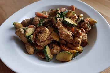 Schnelle Hähnchenbrust - Zucchini - Pfanne