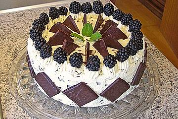 Brombeer - Stracciatella - Torte