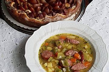 Grüne Bohnensuppe mit Zwetschgenkuchen