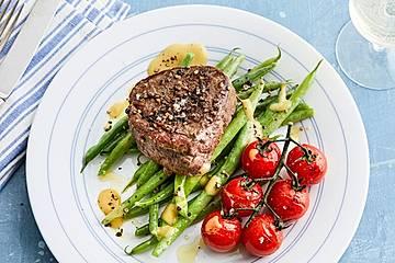 Rinderfilet und Bohnensalat an Pfeffer-Vinaigrette