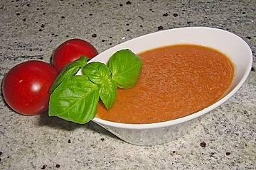 Gazpacho mit Wassermelone und Basilikum