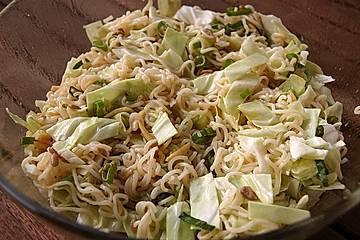 Chinakohlsalat mit Sonnenblumenkernen