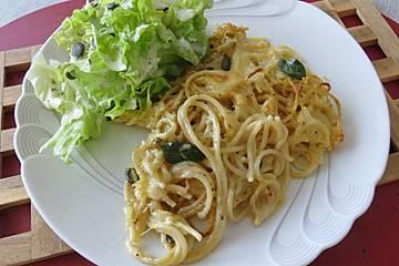 Spaghetti, mit Mozzarella überbacken