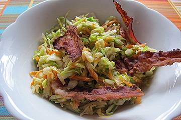Spitzkohlsalat mit Bacon Chips