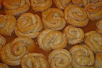Gül Tatlisi / Süßspeise in Rosenform