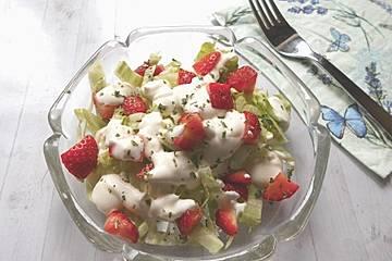 Eisbergsalat mit Erdbeeren