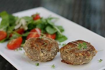 Fleischklöße mit Schafskäse