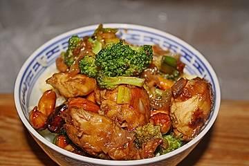 Hähnchenbrust nach Szechuan-Art mit Brokkoli