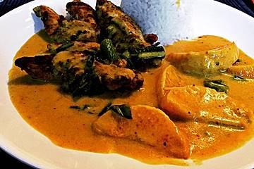 Hähnchen in Kokos Curry Soße