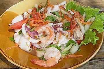 Yam Taleh - sauer, scharfer Thai - Salat mit Meeresfrüchten