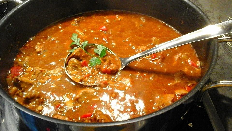 Für 30 gulaschsuppe personen koegeartlastops: Gulaschsuppe kochen