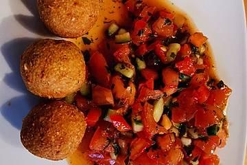 Falafel mit Tomatenrelish