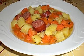 Kartoffeln und Möhren mit Mettwurst
