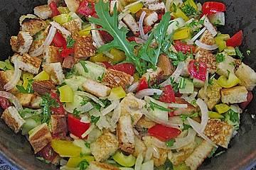 Toskanischer Brotsalat