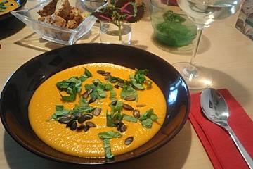 Kürbis-Möhren Suppe