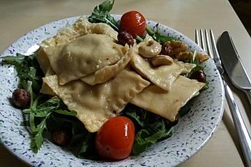 Ravioli mit würziger Frischkäsefüllung