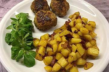 Bratkartoffeln würzig mit Speck und Zwiebel