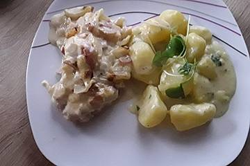 Einfache Bouillonkartoffeln mit Frischkäse