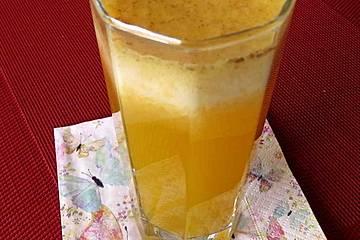 Zitronenlimonade mit Orange