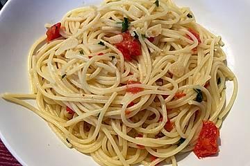 Spaghetti aglio, olio e peperoncino auf meine Art