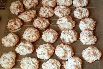 Weihnachtsplätzchen Kokosmakronen.Kokosmakronen Einfach